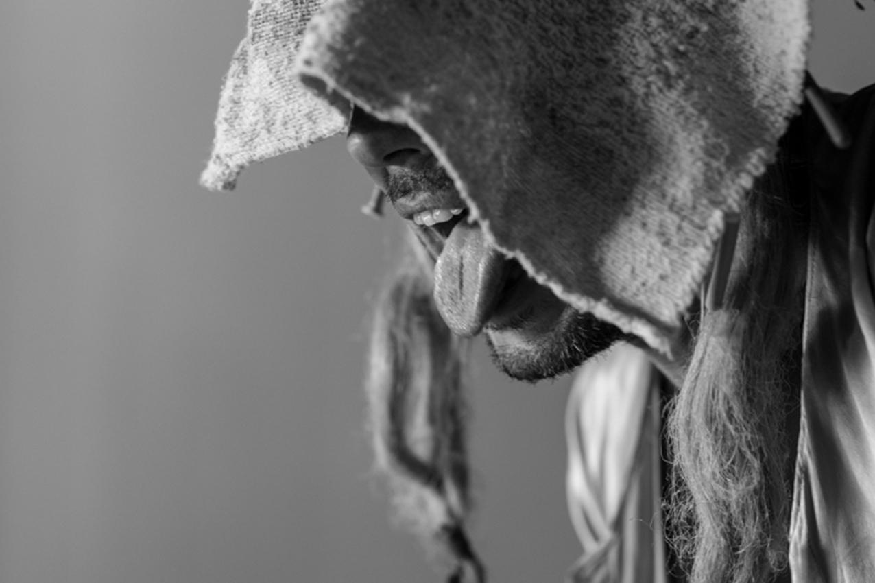artiste;cirque;forain;auteur;peintre; theatre;accueil;residence;repas;cuisine;jardin;atelier;bois;metal;construction:creation;performance;couture;stage;bretagne;finistere;plogonnec;france;lesmel;echange;partage;pain;four;bus;bus;arret;fabrique;ligne21;recette;jonglage;clown;comedien;chapiteau;convivial;lieu;experimentation;machine;espace;travail;bourgeau;creation;calme;chaleureux;sculpteur;spectacle
